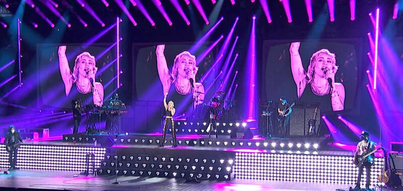 Miley Cyrus - COLORado 2 Solo 2